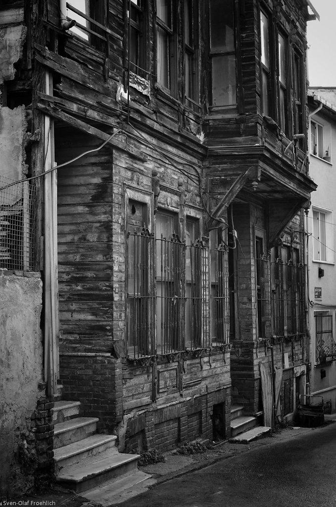Noch stehen viele der alten Holzvillen